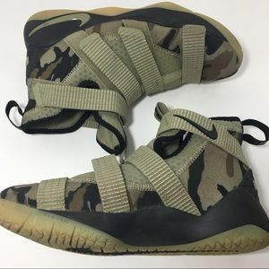 Nike kids Lebron soldier 11 camouflage sneakers